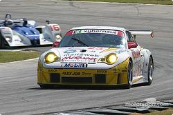 #23 Alex Job Racing Porsche 911 GT3 RSR: Timo Bernhard , Jorg Bergmeister, Sascha Maassen