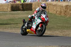 2010 Aprilia RSV4: Leon Camier