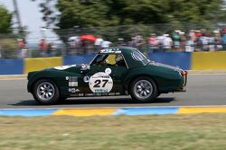 #27 Triumph TR3 1957: Gérard Leduc, Yann Leduc, Olivier Leduc, Thierry Duché