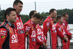 Tony Stewart, Stewart-Haas Racing Chevrolet and his crew during the National Anthem