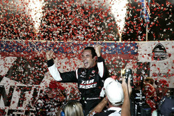 Victory lane: race winner Helio Castroneves, Team Penske celebrates