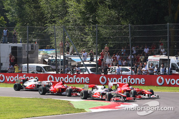 Start: Jenson Button, McLaren Mercedes passes Fernando Alonso, Scuderia Ferrari