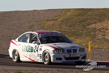 #24 V-Pack Motorsport BMW 330: BJ Farmer, Ron Farmer