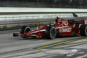 Dario Franchitti, Target Chip Ganassi Racing leaves the pits