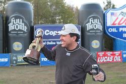 Cruz Pedregon celebrates after taking the win