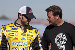 Paul Menard, Richard Petty Motorsports Ford and Robby Gordon, Robby Gordon Motorsports Toyota