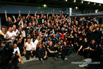 Red Bull Racing team celebration: race winner Sebastian Vettel, Red Bull Racing, second place Mark Webber, Red Bull Racing