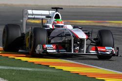 Sergio Perez, Sauber F1 Team, C30 using a moveable rear wing