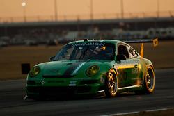#86 Mitchum Motorsports Porsche GT3: Joey Atterbury, Cooper MacNeil, Randy Pobst, Derek Whitis