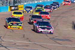 Denny Hamlin, Joe Gibbs Racing Toyota and Ryan Newman, Stewart-Haas Racing Chevrolet