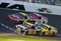 Jeff Burton, Richard Childress Racing Chevrolet, Clint Bowyer, Richard Childress Racing Chevrolet, Jeff Gordon, Hendrick Motorsports Chevrolet, Trevor Bayne, Wood Brothers Racing Ford