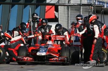 Timo Glock, Marussia Virgin Racing pit stop