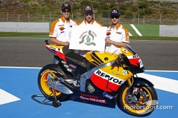 Casey Stoner, Repsol Honda Team, Andrea Dovizioso, Repsol Honda Team, Dani Pedrosa, Repsol Honda Team pose for the Honda safety campaign