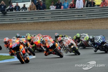 Start: Casey Stoner, Repsol Honda Team leads the pack