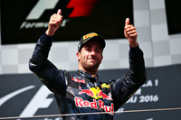 Formule 1 Photos - Podium : le troisième, Daniel Ricciardo, Red Bull Racing