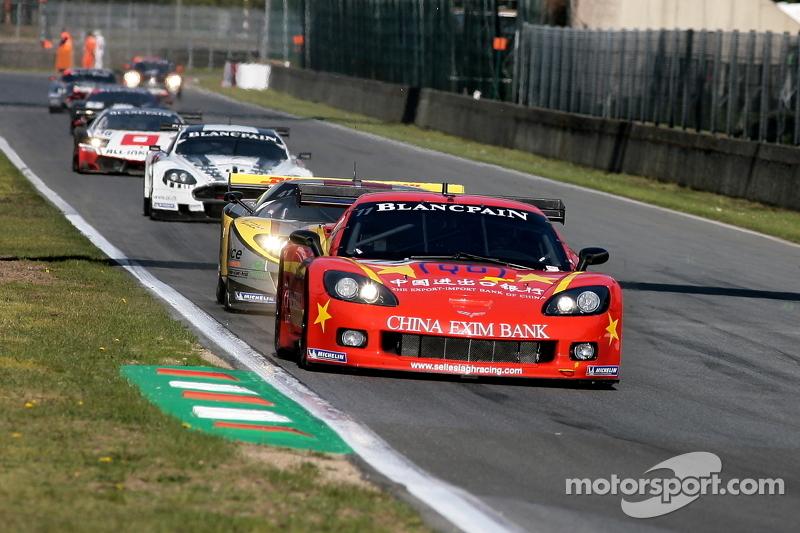 Back to pitlane, #4 Hexis AMR Aston Martin DB9: Andrea Piccini, Christian Hohenadel
