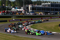 Danica Patrick, Andretti Autosport and Oriol Servia, Newman/Haas Racing battle