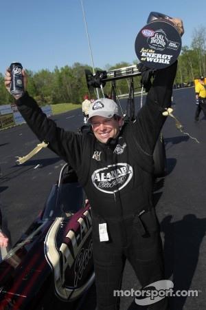 Del Worsham celebrates his victory