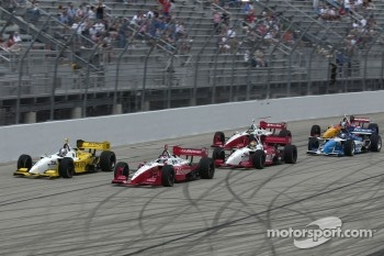 Start: Jimmy Vasser and A.J. Allmendinger battle for the lead