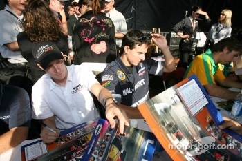 Autograph session: Charles Zwolsman and Andrew Ranger