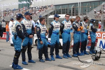 Forsythe Racing crew members in formation