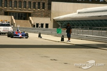 Pitstop demonstration with Marco Andretti at the Milwaukee Museum of Art
