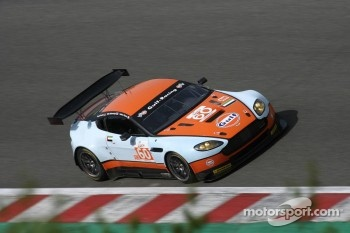 #60 Gulf AMR Middle East Aston Martin Vantage: Fabien Giroix, Roald Goethe, Mike Wainwright