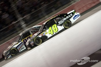 Brian Vickers, Red Bull Racing Team Toyota and Jimmie Johnson, Hendrick Motorsports Chevrolet