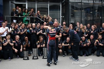 Red Bull team celebration, Sebastian Vettel, Red Bull Racing