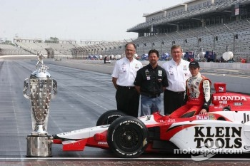 Kim Green, Michael Andretti, Kevin Savoree and Dan Wheldon