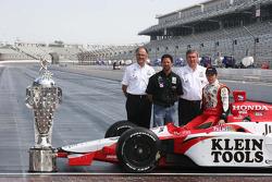 Kim Green, Michael Andretti, Kevin Savoree and Dan Wheldon