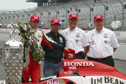 Dan Wheldon, Michael Andretti, Kim Green and Kevin Savoree