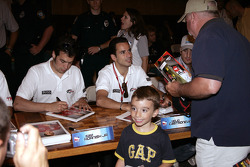 Autograph session: Sam Hornish Jr. and Helio Castroneves