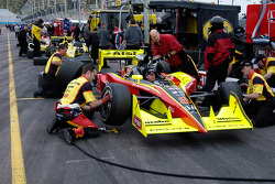 Pit stop practice for Scott Sharp's crew