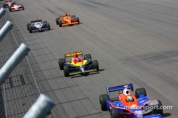 Early race action