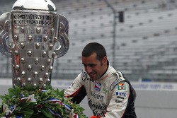 Dario Franchitti admires all the winners of the Indianapolis 500