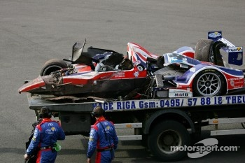 #36 RML HPD ARX -01d: Mike Newton, Thomas Erdos, Ben Collins brought back to pits after its crash