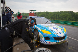 Pit stop for #40 Dempsey Racing Mazda RX-8: Patrick Dempsey, Joe Foster