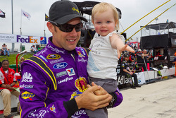 Matt Kenseth, Roush Fenway Racing Ford and daughter Kaylin