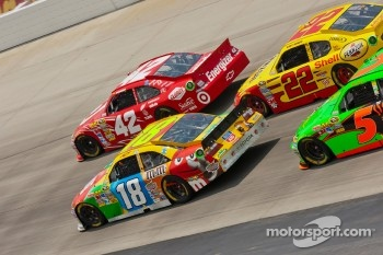 Juan Pablo Montoya, Earnhardt Ganassi Racing Chevrolet, Kyle Busch, Joe Gibbs Racing Toyota and Kurt Busch, Penske Racing Dodge