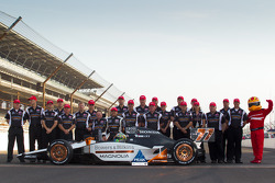 Front row photoshoot: pole winner Alex Tagliani, Sam Schmidt Motorsports with Sam Schmidt and his team