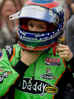 Danica Patrick, Andretti Autosport gets ready for her last qualifying run