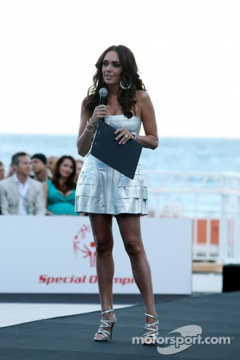 Tamara Ecclestone, Amber Lounge Fashion