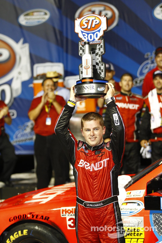 Victory lane: Justin Allgaier, Turner Motorsport Chevrolet celebrates