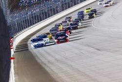 Carl Edwards, Roush-Fenway Ford and Kevin Harvick, Kevin Harvick Inc. Chevrolet