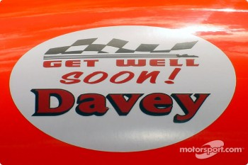 Get well' badge for Davey Hamilton