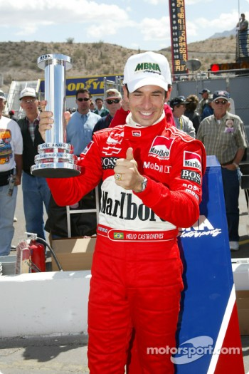 Helio Castroneves receiving the MBNA Pole Award