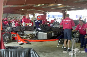 Mo Nunn's team working on the car