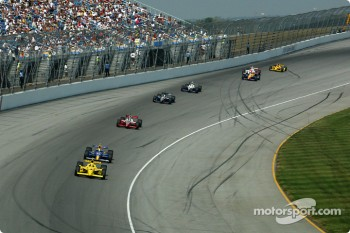 Sam Hornish Jr. leading Buddy Rice