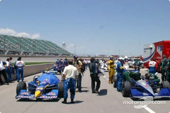 Cars on starting grid